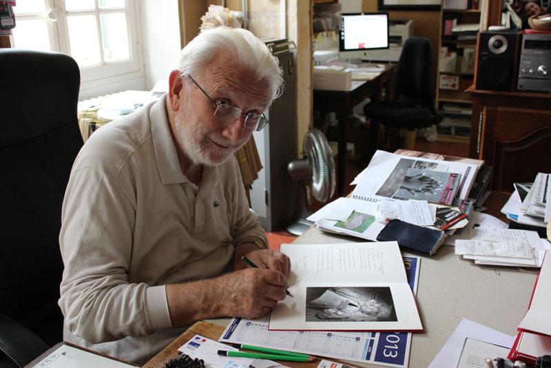 Lucien signe son livre avec Éditions Le Renard Pâle, Arles 2013